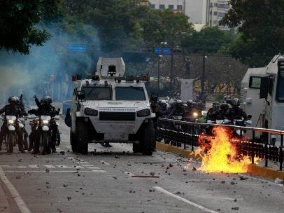 Blindados en las calles de Caracas